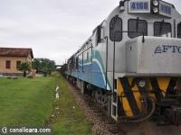 Quebra de linha férrea bloqueia trem