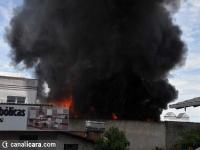 Estofaria é atingida por incêndio