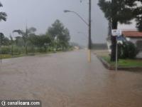 Na Avenida Procópio Lima, apenas um rio