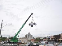 Conseg expõe carros batidos no Centro