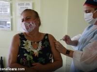 Sábado vira dia histórico para quem tem mais de 72 anos e estava à espera da vacina contra a covid-19