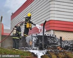 Raio provoca incêndio em Poço Três