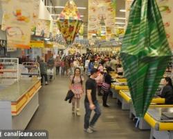 Supermercado Giassi entra no clima julino