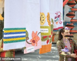 Seis clubes apresentam artesanato na praça