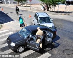 Colisão deixa duas mulheres feridas