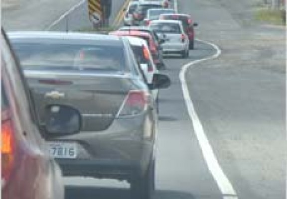 Enquete alerta para comportamento ainda perigoso no trânsito