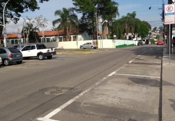 Internautas avaliam estacionamento rotativo em Içara