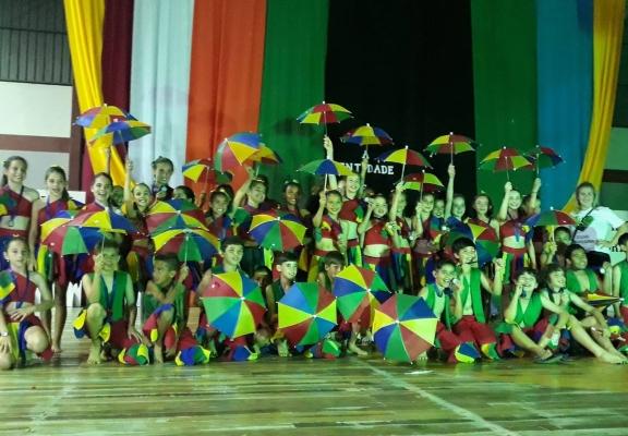 Escola Maria da Glória apresenta ritmos do Brasil em Festival de Dança