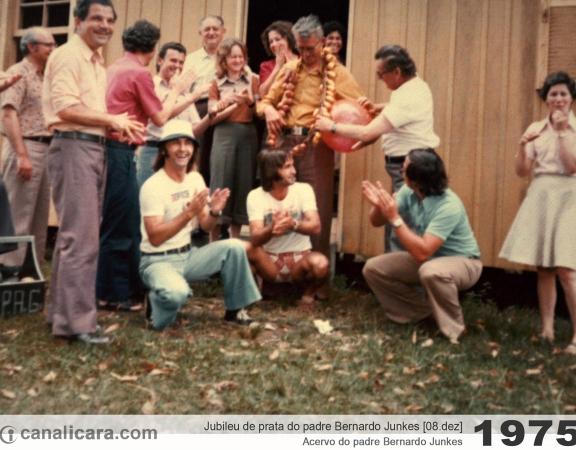 1975: Jubileu de prata do padre Bernardo Junkes