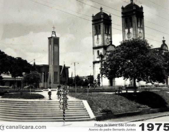 1975: Praça da Matriz São Donato