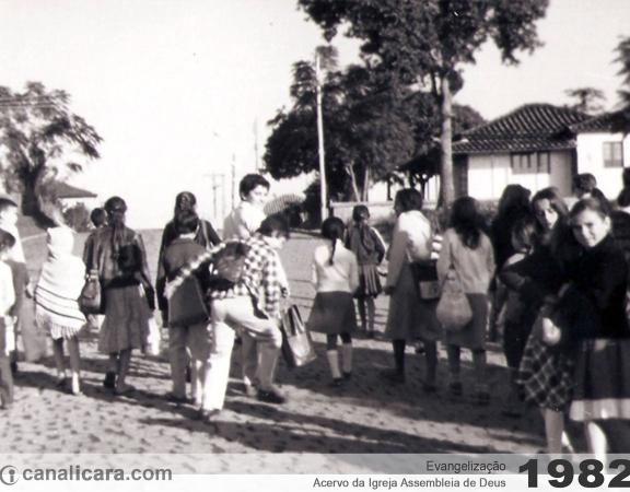 1982: Evangelização