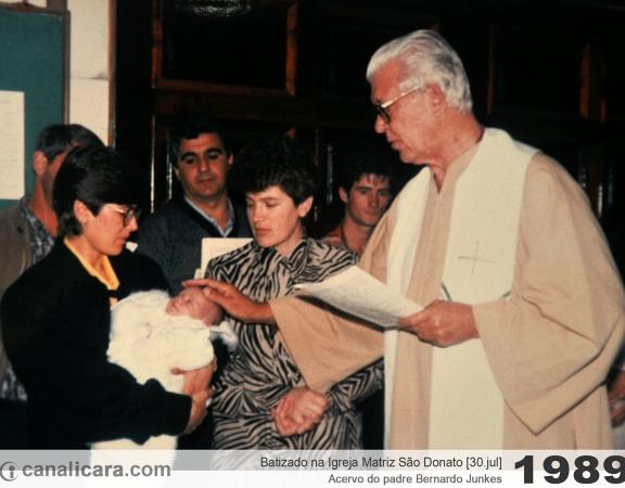 1989: Batizado na Igreja Matriz São Donato