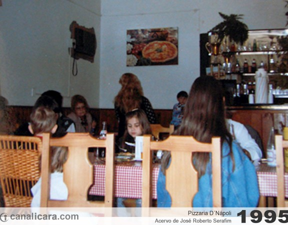 1995: Pizzaria D´Nápoli